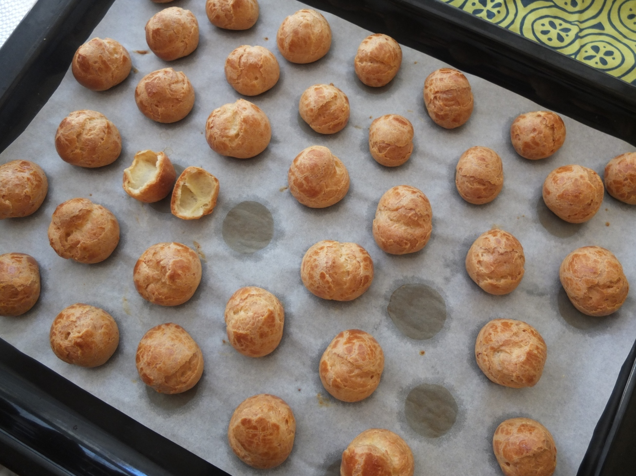 choux pastry buns