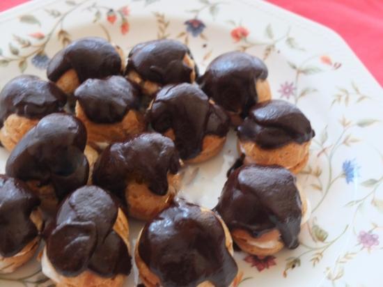 Chocolate profiteroles