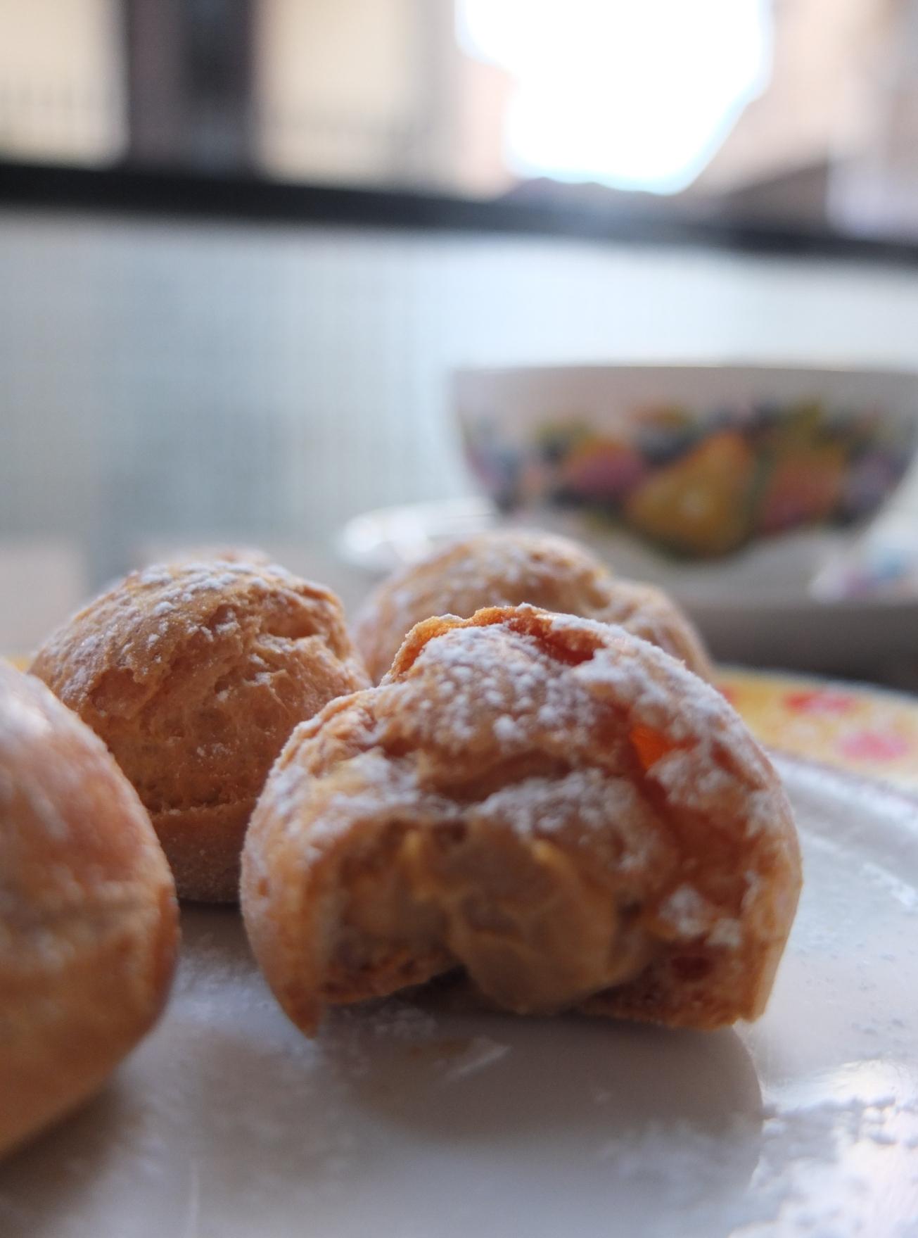 Salted caramel choux puffs