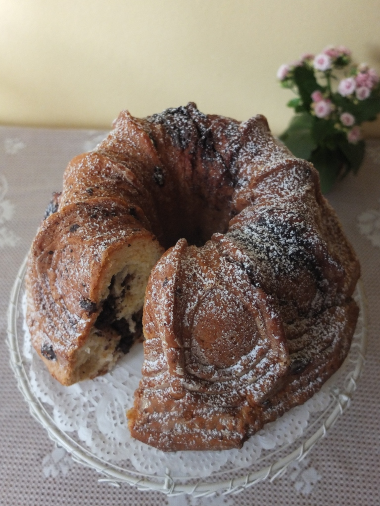 Polish Chocolate and Cinammon Babka Easter bread in my first ever new bundt tin!