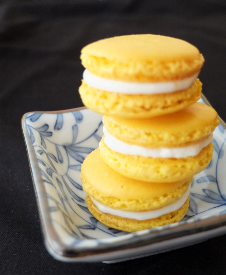 Lemon cream macarons