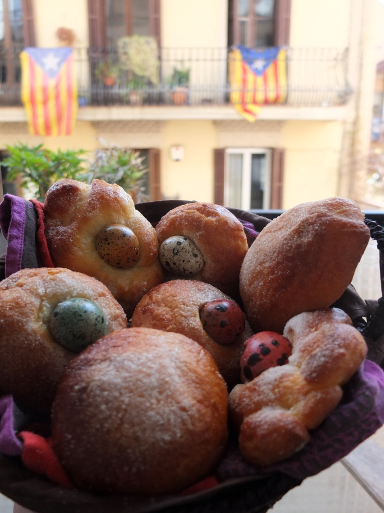 Monas in Catalunya