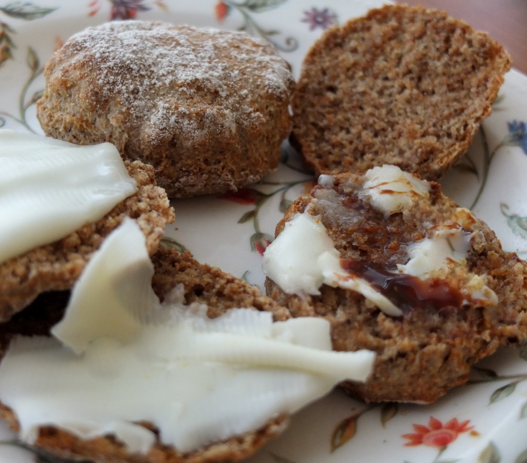 Healthy spelt curry scones
