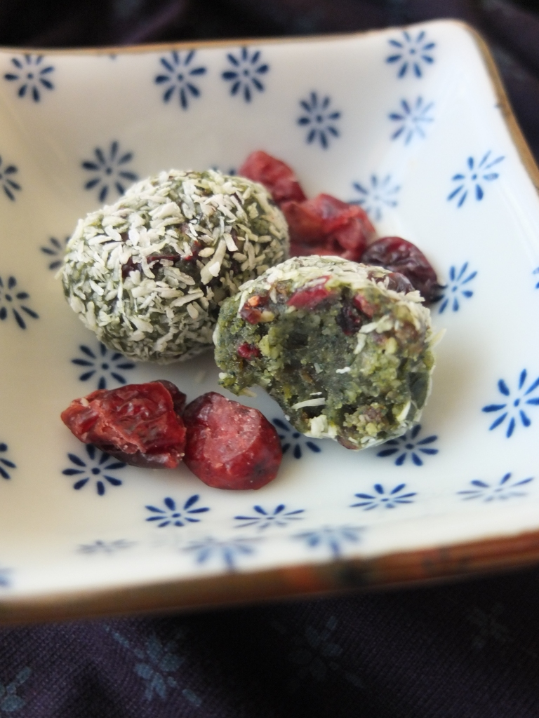 Spirulina date and cranberry bliss ball eggs