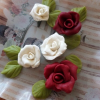 Making almond paste (marzipan) roses and leaves