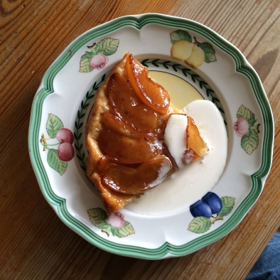 Apple tarte tatin with Chinese five spices and Tamarind with maple syrup caramel