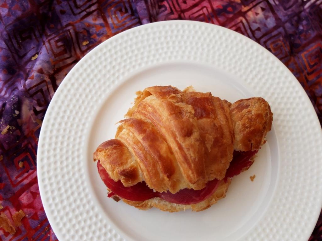 Spelt croissant sandwich!