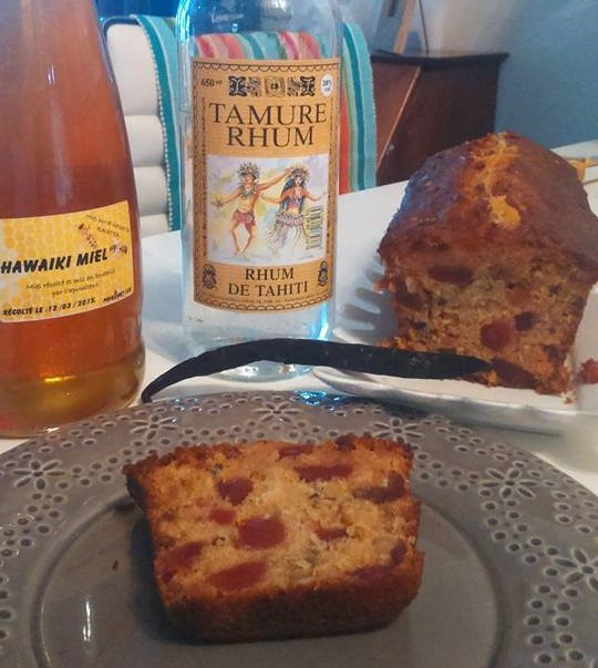 A scrumptious orange and rum fruitcake-cake Anglais