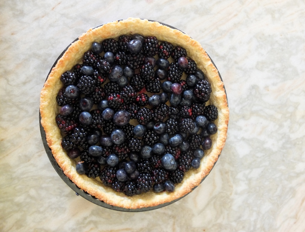 Blackberries and blueberries in a spelt pastry shell