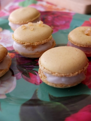 Lemon sorbet and ginger macarons