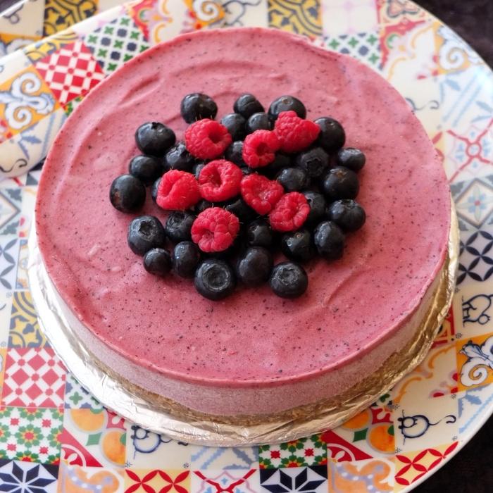 Berry nice banana ice-cream pie