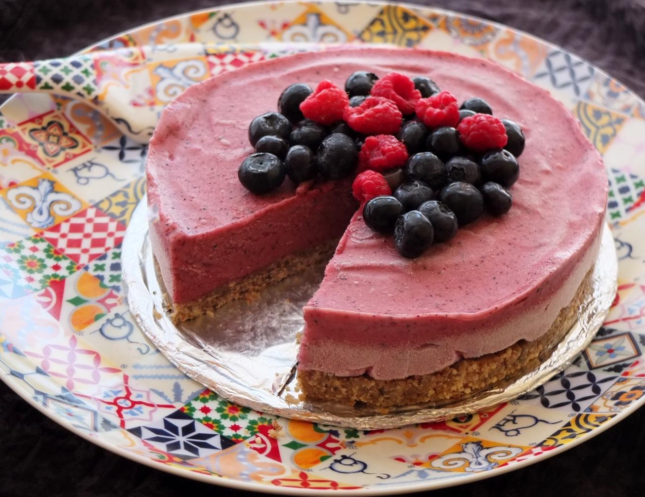 Healthy ice-cream pie
