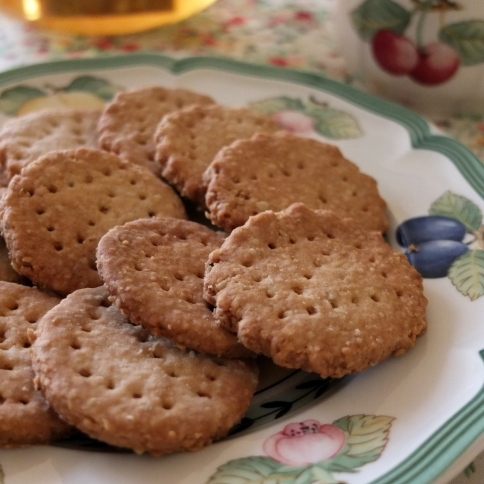 Healthy spelt digestive biscuits