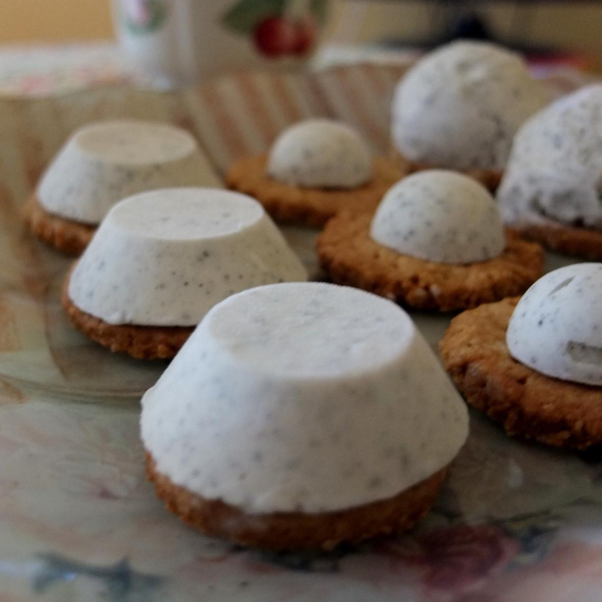 Healthy black sesame and yuzu ice-cream biscuits