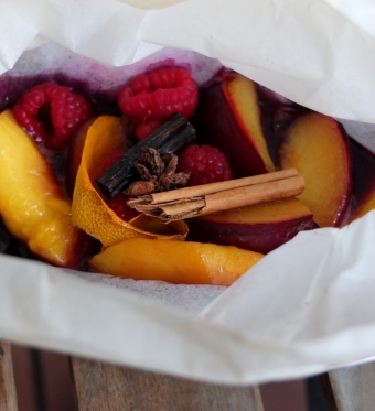 spiced fruit en papillote