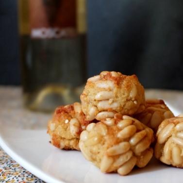 Panellets almond cookies