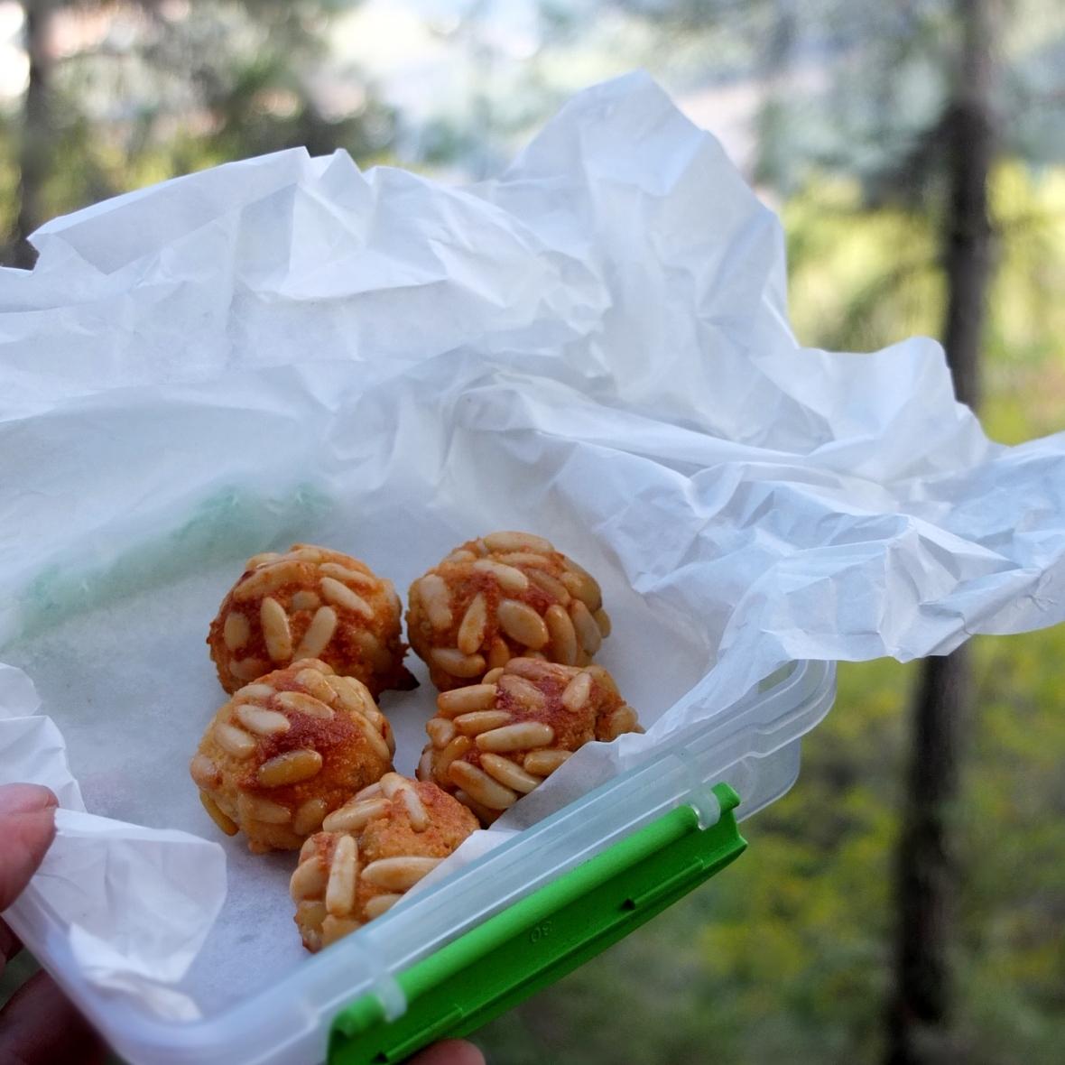 Panellets almond paste cookies