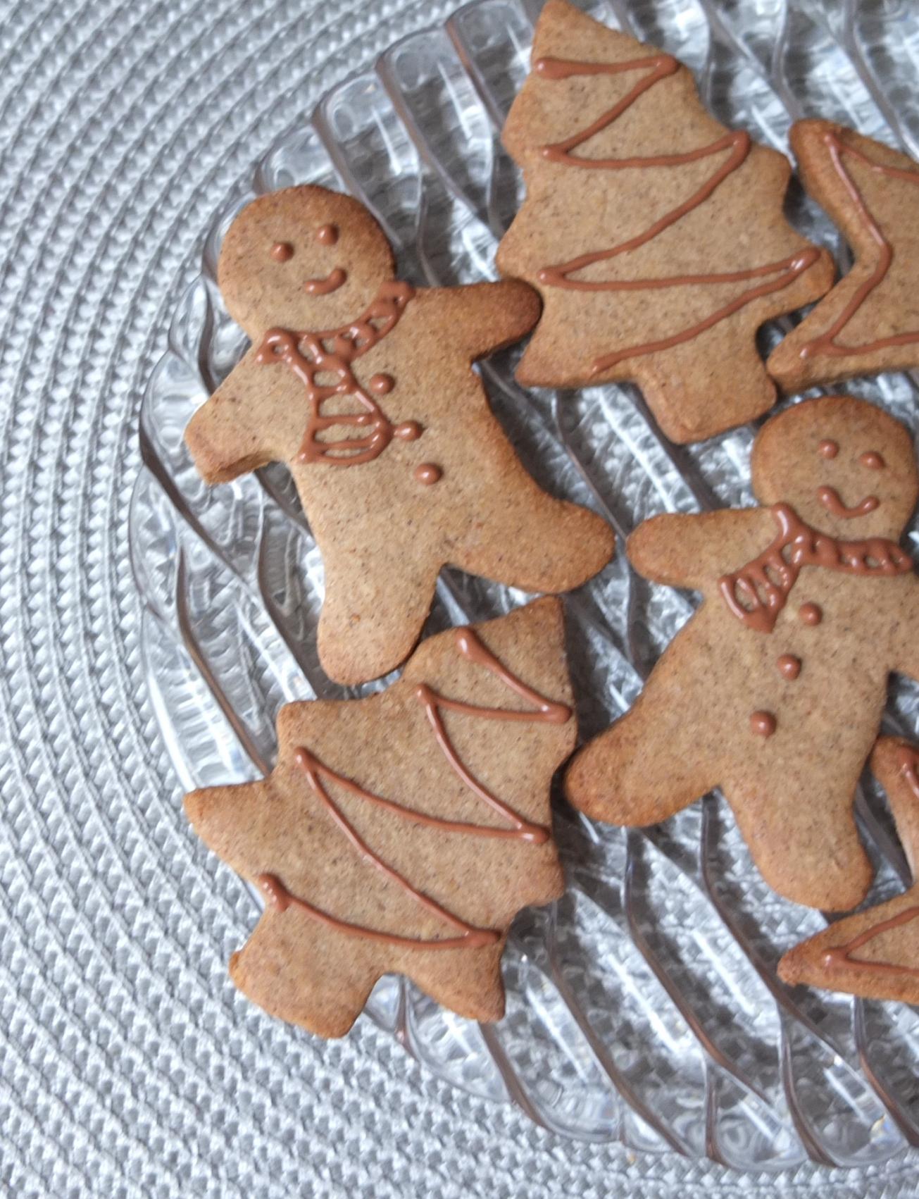 Healthier spiced Xmas biscuits