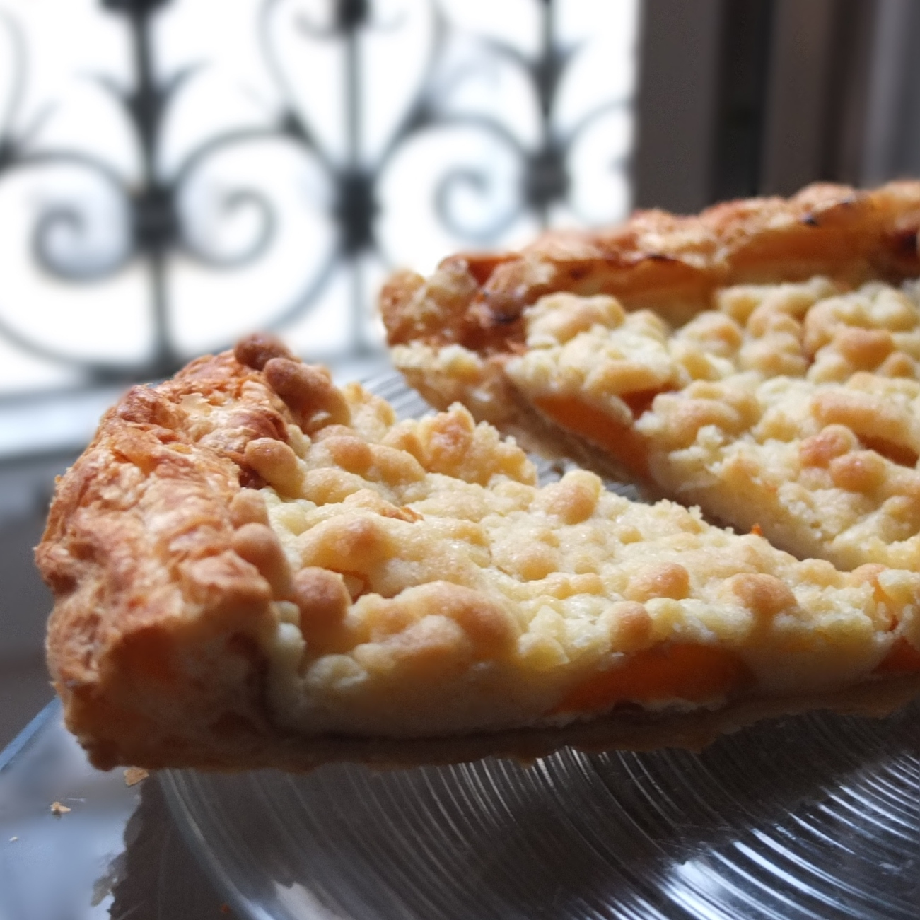 Apricot streusel tart with puff pastry