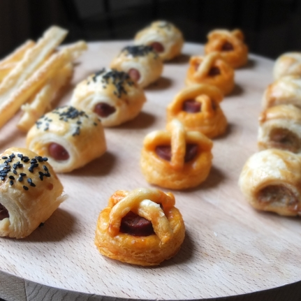 Savoury petits fours with inverted puff pastry
