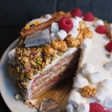 Masala chai, raspberry and pistachio layer cake
