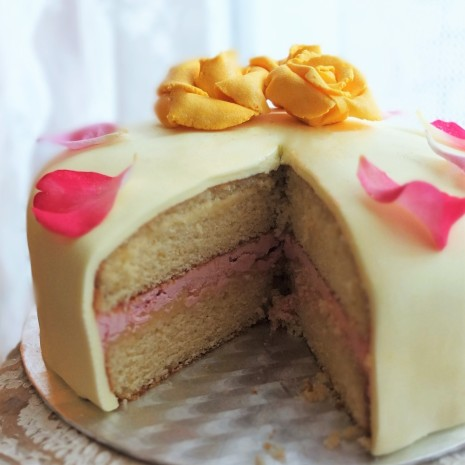 Lemon drizzle and rapsberry layer cake