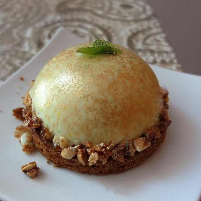 Mojito zinger bomb - lemon-lime mousse dome cake