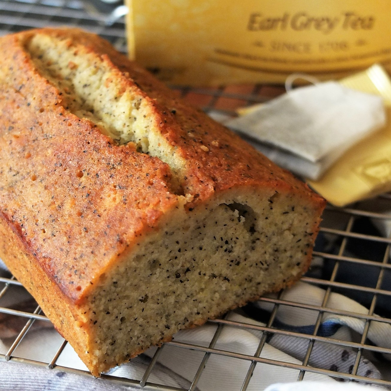 Earl grey and lemon loaf cake