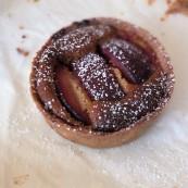 Healthier plum almond tart