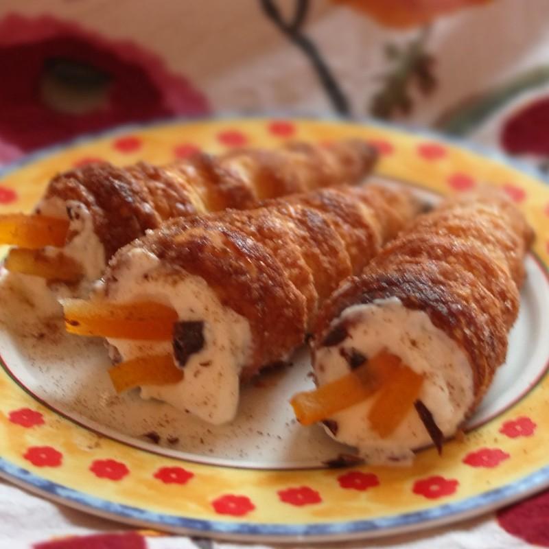 Cannoli cream puff pastry horns