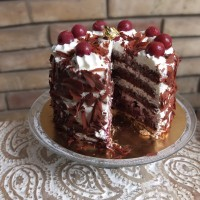 Traditional Black Forest gâteau recipe with a pastry layer and sour cherries!