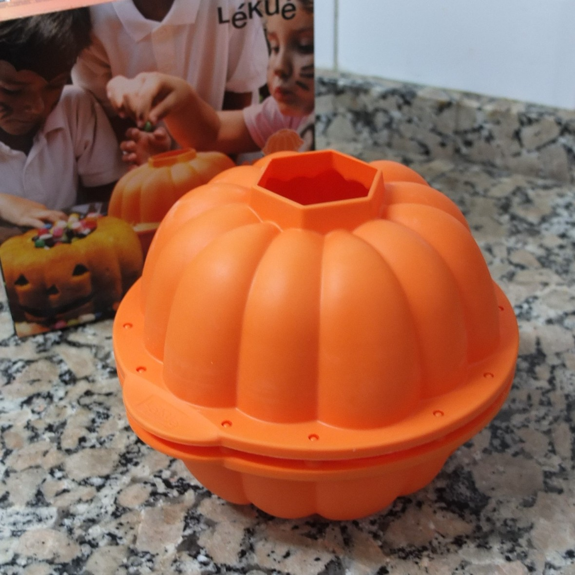 The mould for a Pumpkin, lemon and Earl Grey tea layer cake!