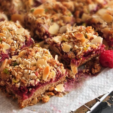 Healthy raspberry, oat and nut bars