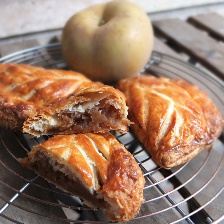 Chaussons aux pommes (apple turnovers) with coconut sugar