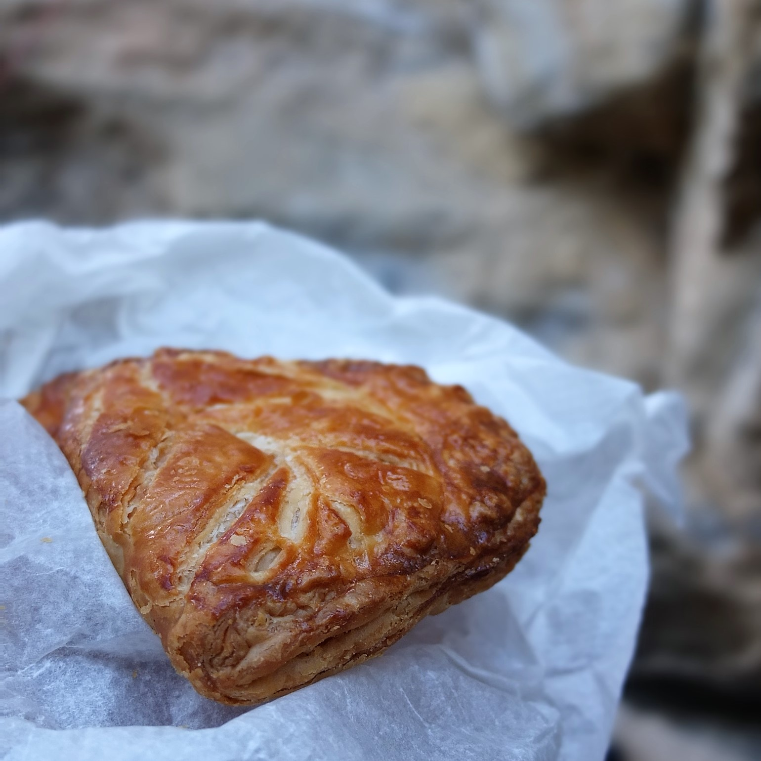 Puff pastry apple turnovers recipe with coconut sugar ...