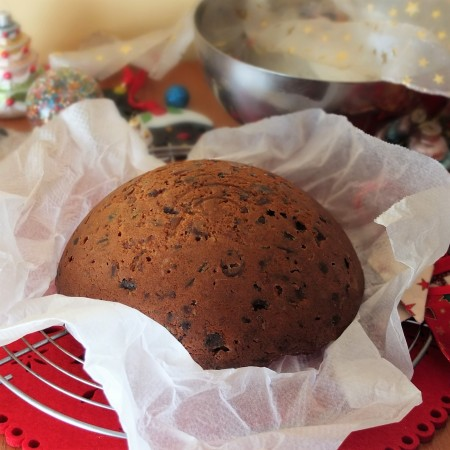 Christmas cake for the christmas pudding anti-gravity cake