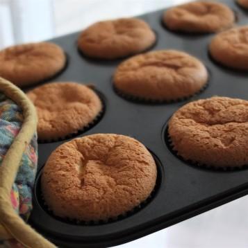 Soufflé sponge cupcakes