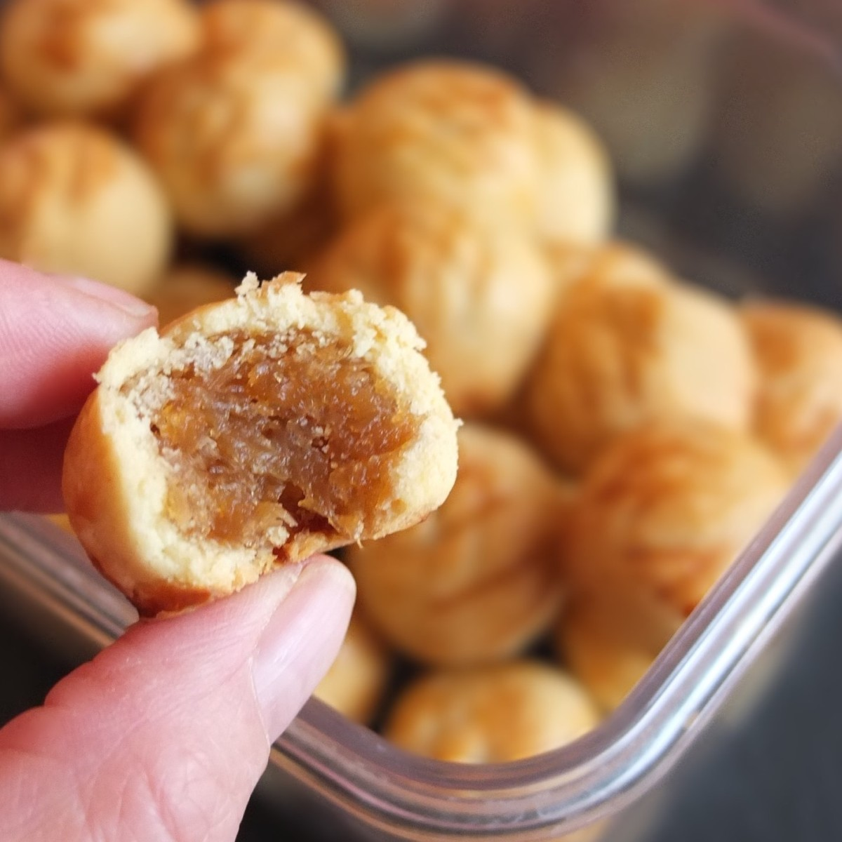 Healthier pineapple tarts with honey and maple syrup for Chinese New Year! :)