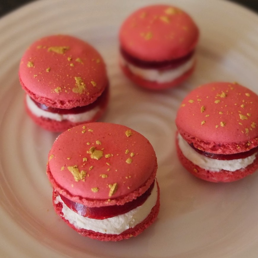 raspberry and black pepper cheesecake macarons