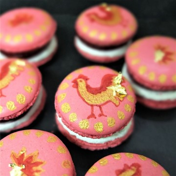 raspberry-black-pepper-cheesecake-macarons