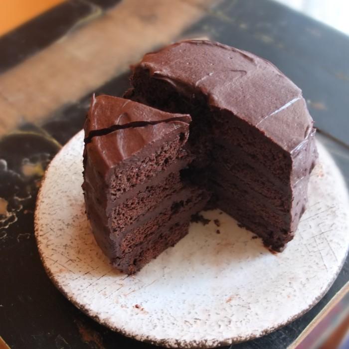 Vegan chocolate layer cake with aquafaba, spelt flour and coconut palm sugar