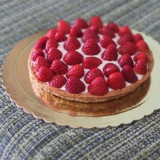 Healthier strawberry and quark spelt puff pastry tart