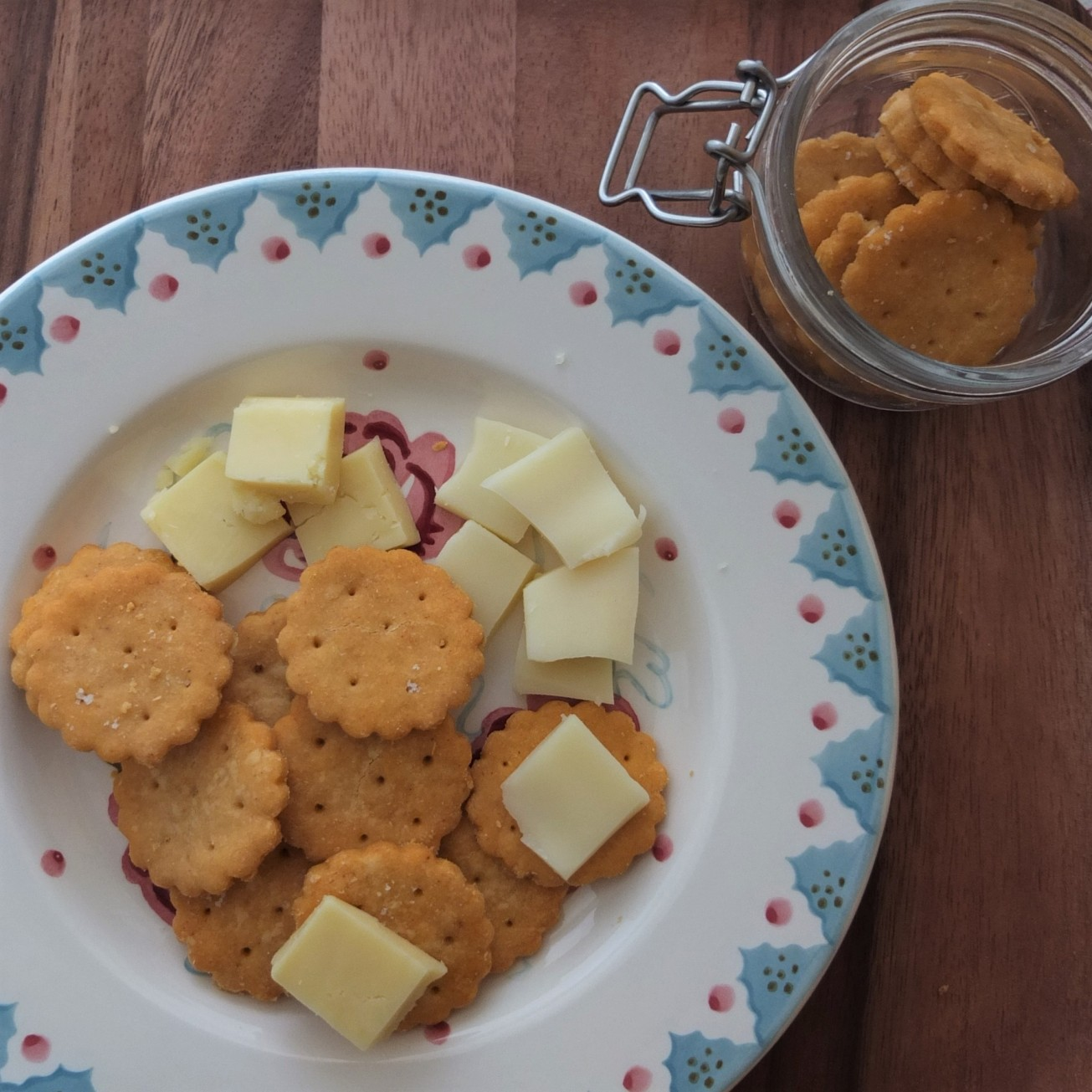 Homemade ritz-style crackers