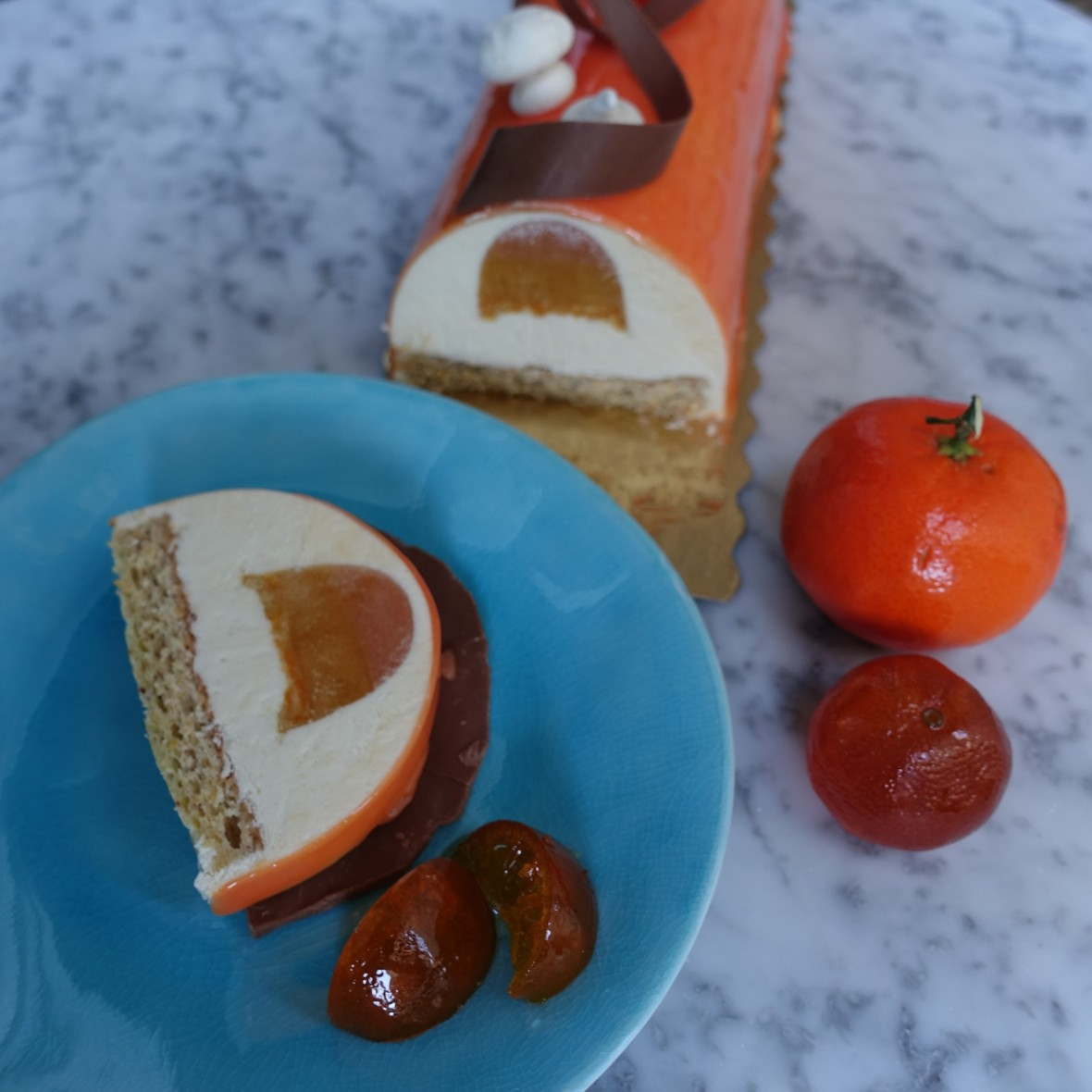 'Mazing mandarin citrus mousse cake entremets - logcake