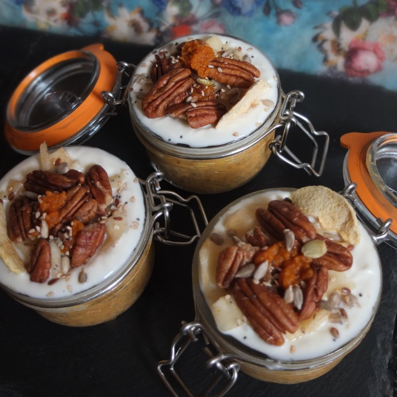 Autumn pumpkin chia pudding