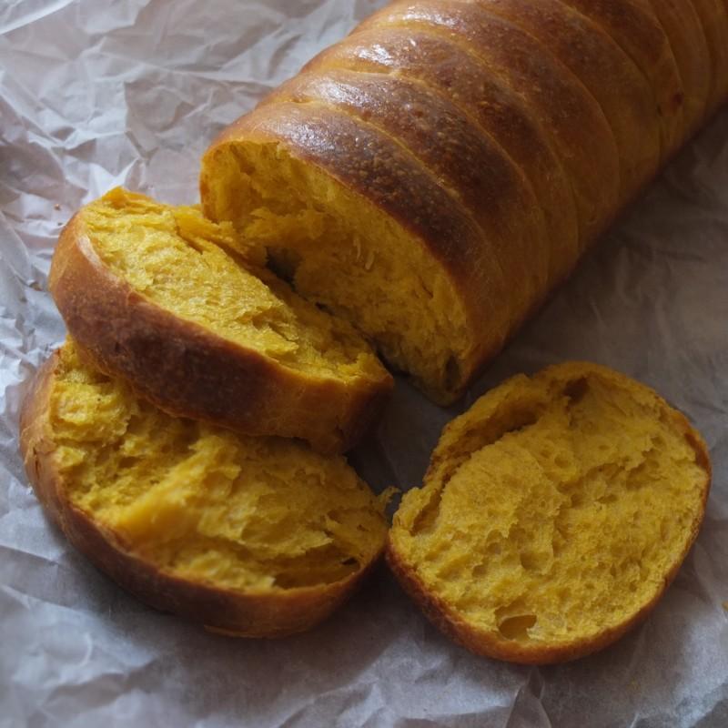 Sourdough pumpkin roti sisir