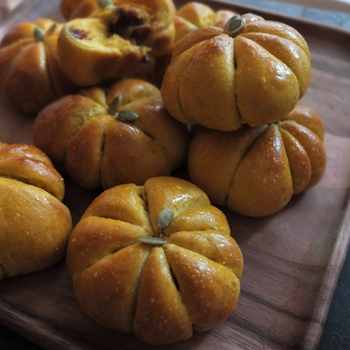 Pumpkin and chocolate buns recipe!  Sourdough or instant yeast versions... :)