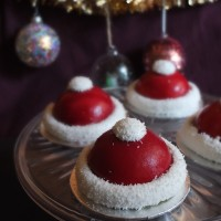 Santa hat cherry and matcha dome cakes inspired by Pepe Rodriguez!  Healthier entremets with sour cherries, matcha, ruby chocolate, greek yoghurt or skyr...!  Glutenfree or not... :)