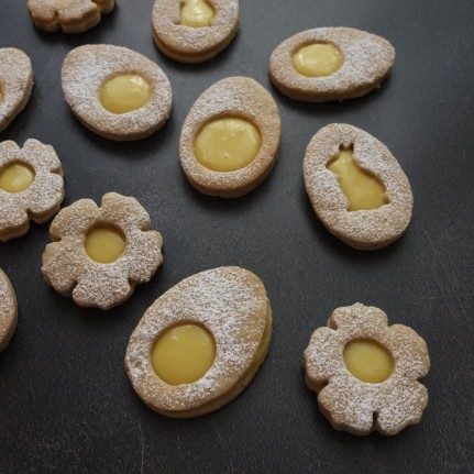 Vegan maple syrup lemon curd Easter biscuits (cookies)
