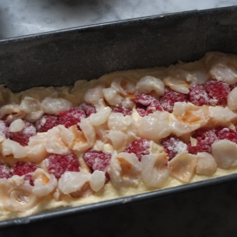 Making the Ispahan cake
